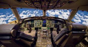 aircraft-cockpit-instruments-auto pilot