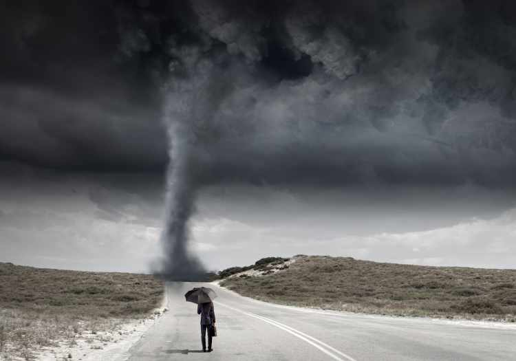 how to remain calm in a crisis, remain spiritually centered